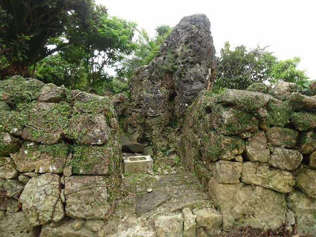 中城城跡石垣2