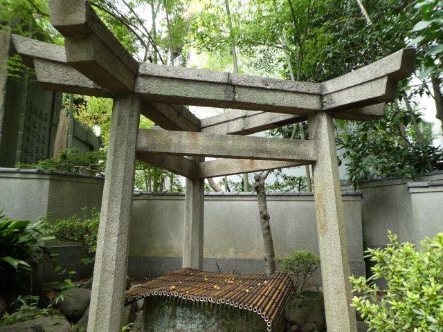 三囲神社15