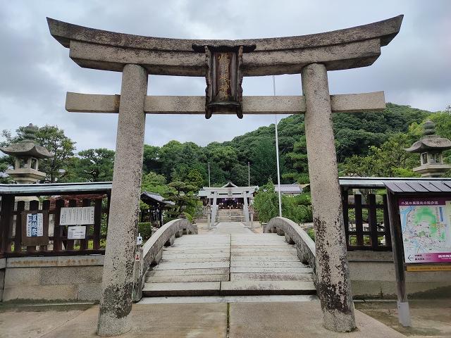 鶴羽根神社3